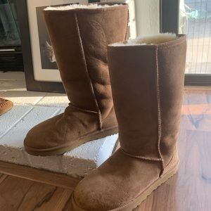 Ugg boots tall size 9